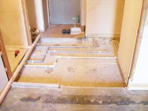 玄関~床下配管
